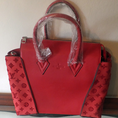 Replica Louis Vuitton Berry Red Tote